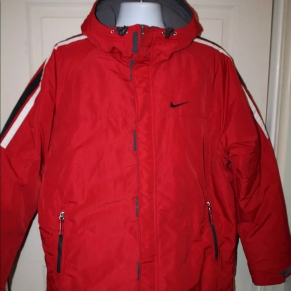fd1caa23527d Men s Nike fleece lined coat L red stripes. M 5b61c1cbf414524fda82a7ae